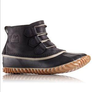 Sorel waterproof short rain boots